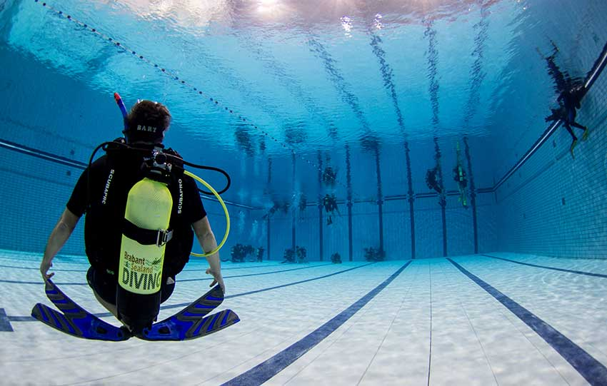 http://www.brabant-sealanddiving.nl/wp-content/uploads/2016/12/Zwembad-training-3.jpg